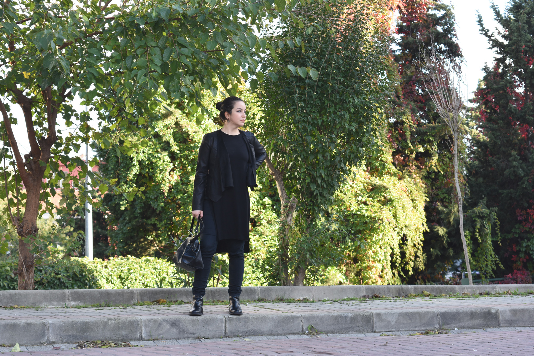 sevgin goktas ozsan all black stradivarious waterfall jacket autumn fall winter bershka top DSC_1928