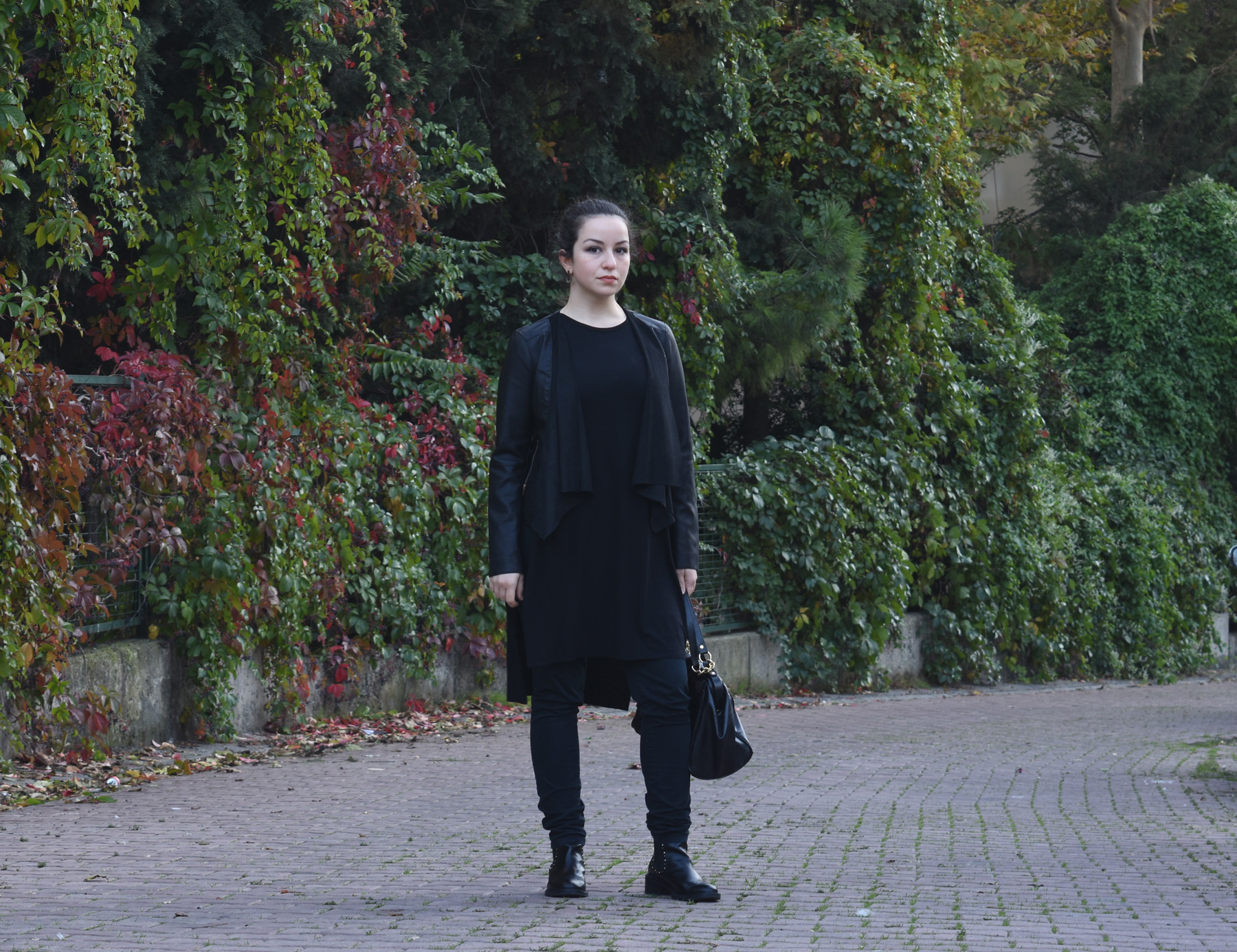 sevgin goktas ozsan all black stradivarious waterfall jacket autumn fall winter bershka top DSC_2135