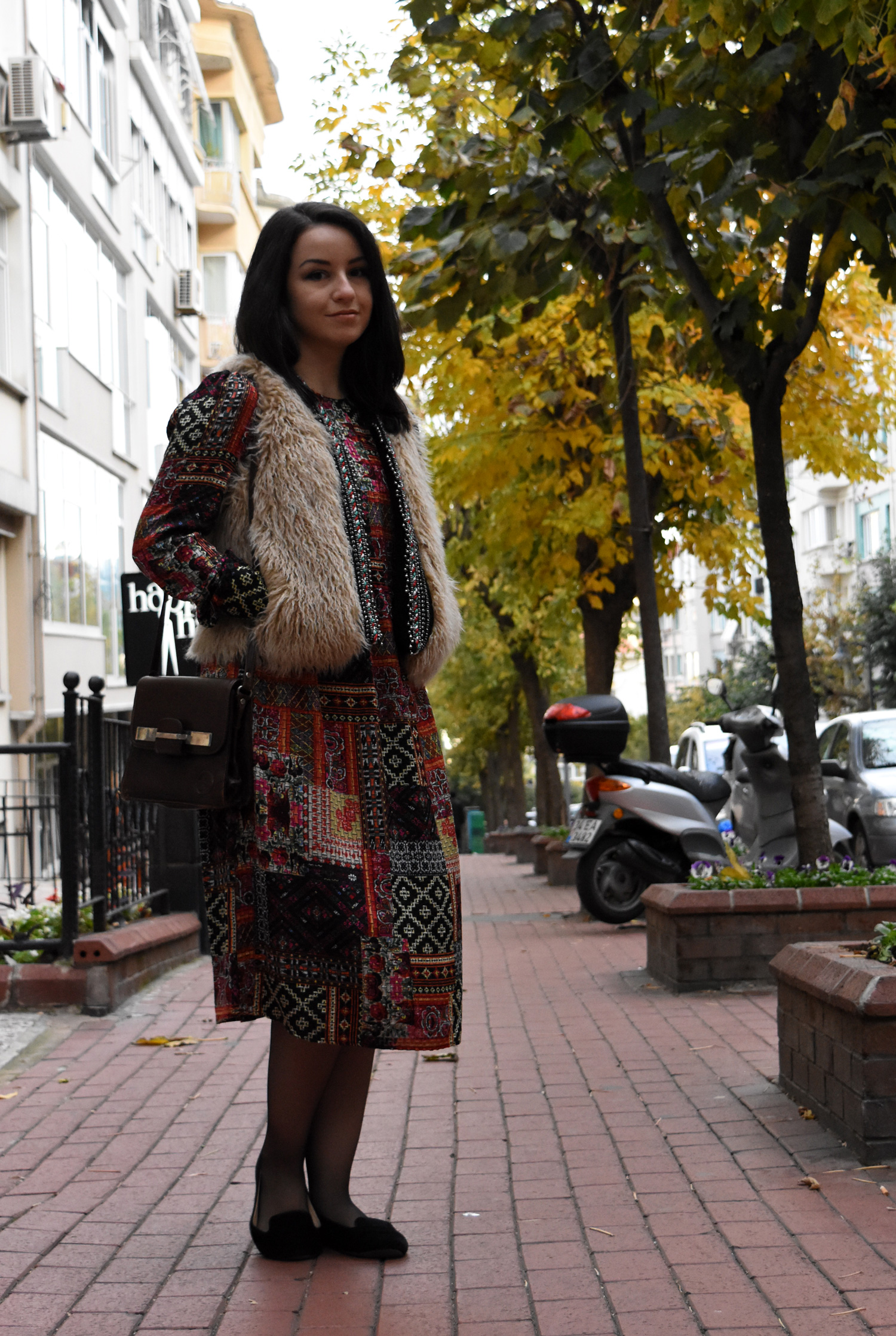 Weekend mode on-sevgin goktas ozsan-sevgingo-zara hm waistcoat patchwork dress DSC_2786