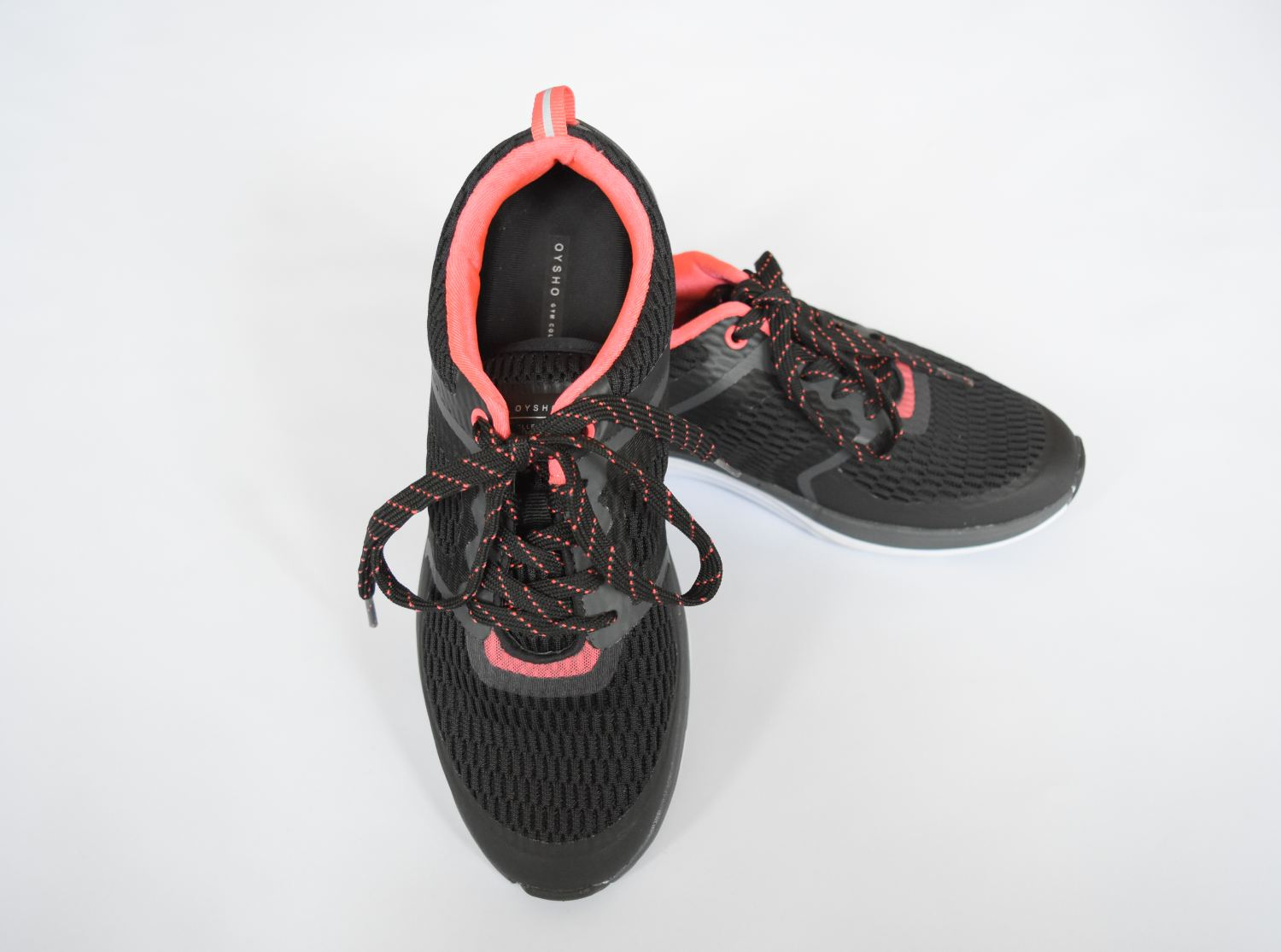 Sevgin-Goktas-Ozsan-New-shoes-Oysho-Sportswear-Shopping-2