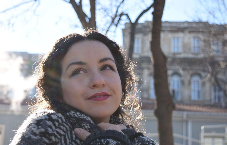 sevgin-goktas-ozsan-sevgingo-casual-spring-hm-stradivarious-believe-in-love-portrait